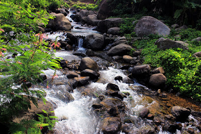 Sungai Cireong cocok untuk memotret slow speed.