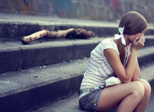 HD Sad Girls Wallpapers and Pictures