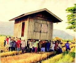 Perubahan sosial masyarakat yang terjadi akibat beberapa faktor penentu