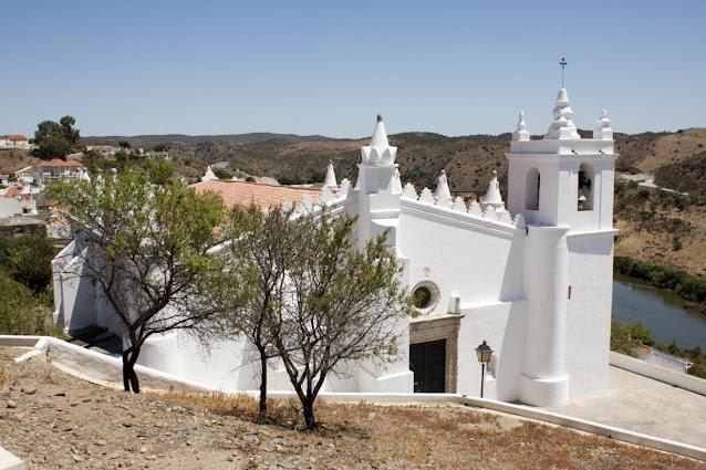 Mertola-Chiesa