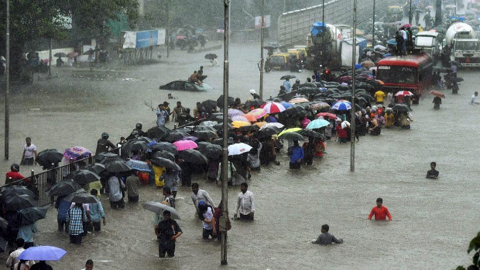 Red-alert-about-heavy-rains-in-Mumbai-schools-and-colleges-will-remain-closed-मुंबई में भारी बारिश को लेकर रेड अलर्ट, बंद रहेंगे स्कूल और कॉलेज