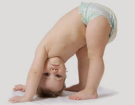 foto bayi laki-laki pakai popok