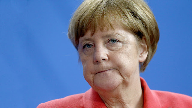 """""""Nuestros soldados dieron sus vidas por Alemania en vano"""": La prensa turca viste a Merkel de Hitler"""