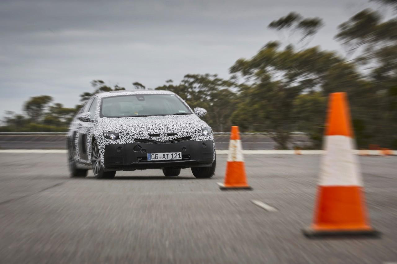 Μέχρι 175 κιλά ελαφρύτερο από το προηγούμενο μοντέλο το νέο Opel Insignia. Πρόγραμμα 'Sport' με δυνατότητα προσαρμογής και λογισμικό αυτοεκμάθησης