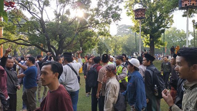 Demo Bela Bendera HTI di Malang Dibubarkan Warga dan Umat Islam