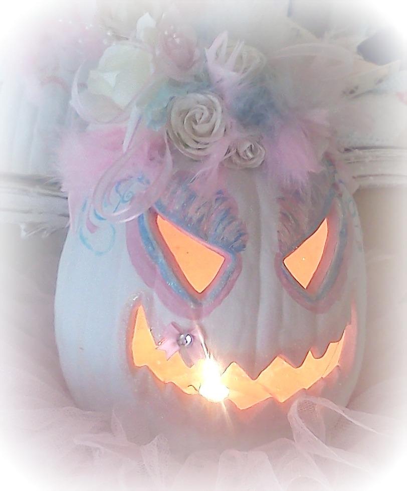 More Shabby Chic Halloween Interior Decor Ideas: Olivia's Romantic Home: Shabby Chic Halloween Pink Pumpkin
