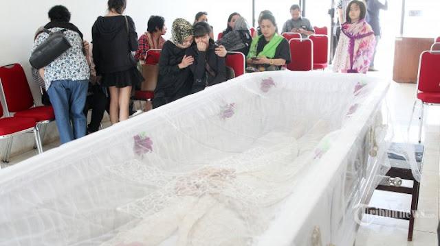 Ayah Yana Zein Mengadzani Jenazah, Sang Ibu Malah Puji-pujian Dengan Keras, Begini Kejadian Selanjutnya
