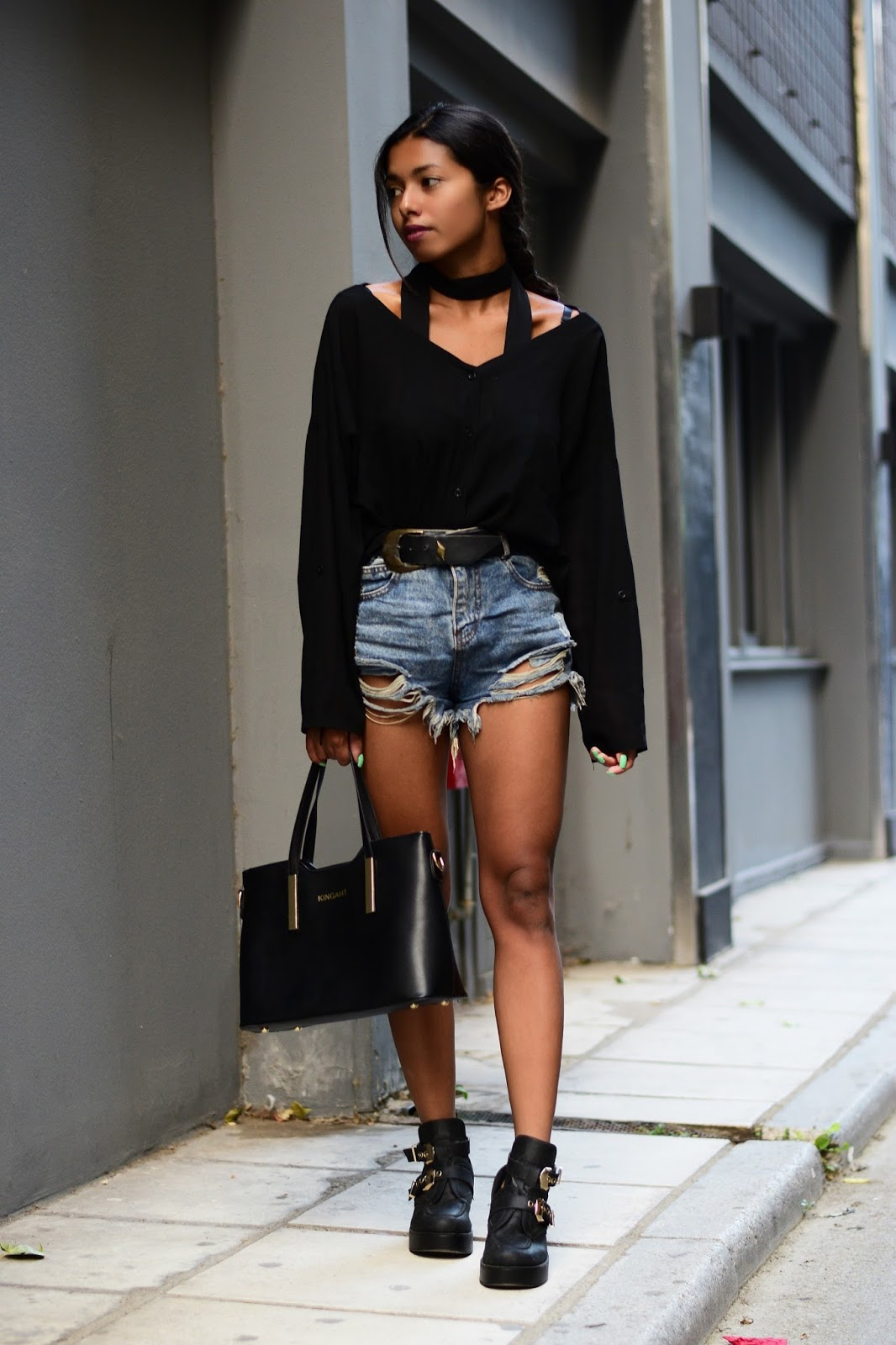 high waisted denim shorts with oversized belt and slim scarf-fall outfit inspiration