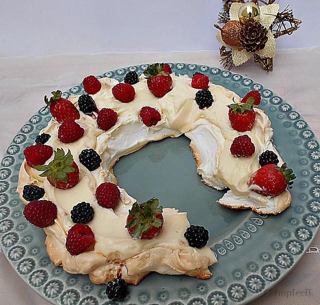 receita pavlova creme de queijo e frutos vermelhos