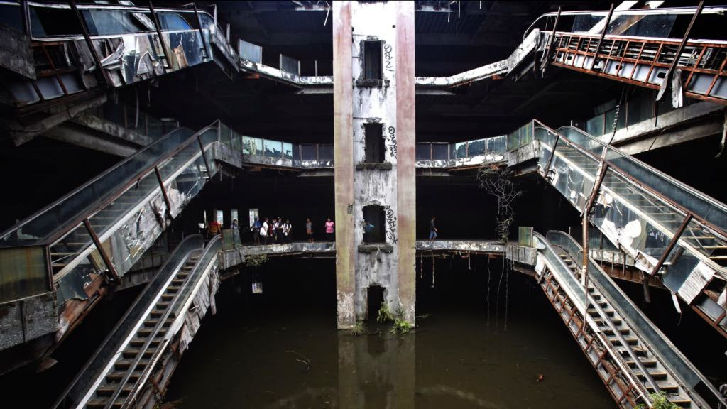 Abandoned Shopping Mall Becomes Koi Pond In Bangkok