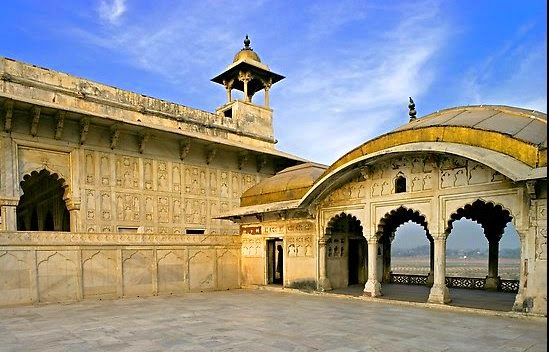 historic monuments forts india