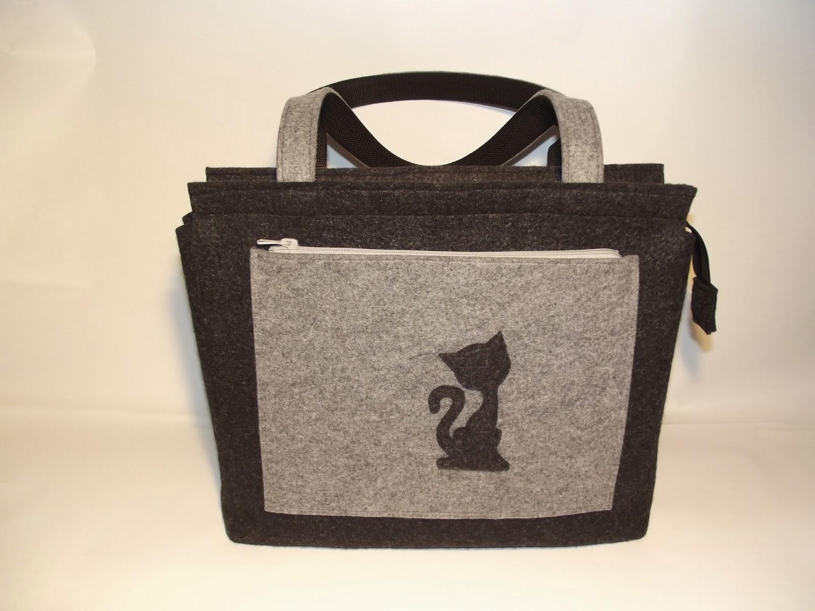 1f06b92e84795 Dzisiejsza filcowa torebka jest kolejnym wzorem w mojej ofercie. Uszyta  jest na indywidualne zamówienie Pani