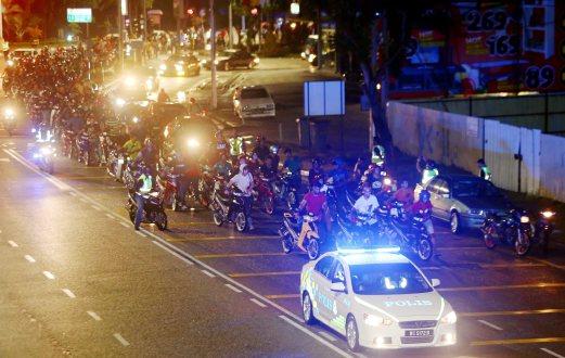 200 mat rempit kena tolak motosikal sejauh 6km