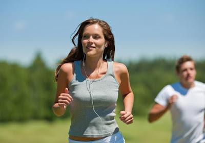 كيف تحرق 100 سعر حراري في 10 دقائق امرأة رجل شاب فتاة بنت تركض تجرى تمارس الرياضة تهرول running jogging woman girl man sport work out