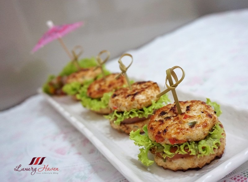 healthy mini chicken burgers perfect party appetizers