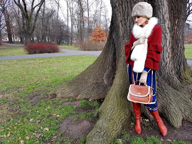 spełnianie cudzych oczekiwań - trendy jesień zima 2017 2018 - stylizacja a'la Rosjanka - Zaful