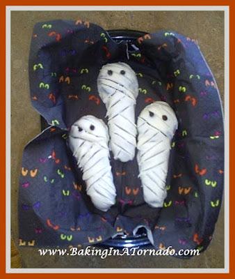 Mummy Cookies | www.BakingInATornado.com
