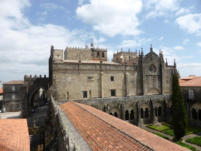 Catedral de Tui vista desde el Torreón de los Soutomaior