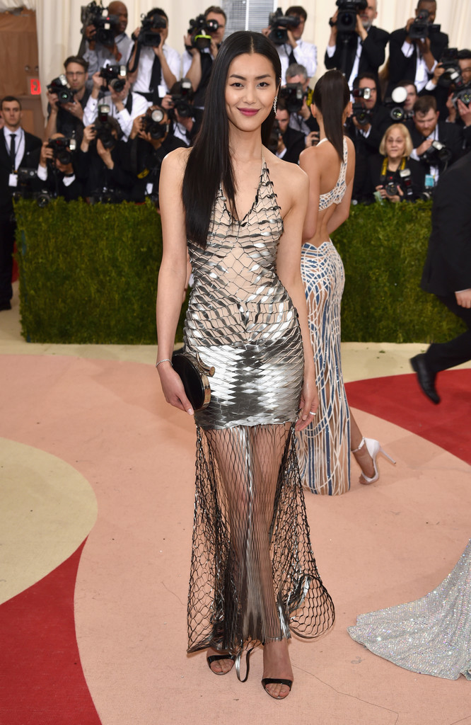 Liu Wen at the 2016 MET Gala