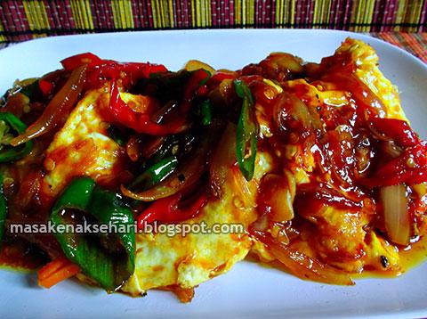 Masakan telur mata sapi kuah bening saus tiram