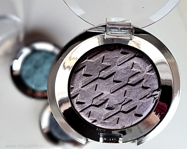 Eye Catcher Dazzyling Eyeshadow 004 Boom Shot