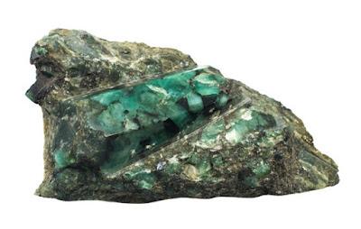 la mayoria de las esmeraldas son de baja calidad