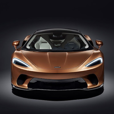 The new McLaren GT, the fastest in the GT category