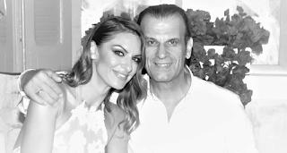Παντρεύτηκε θαυμάστριά του γνωστός Έλληνας τραγουδιστής!