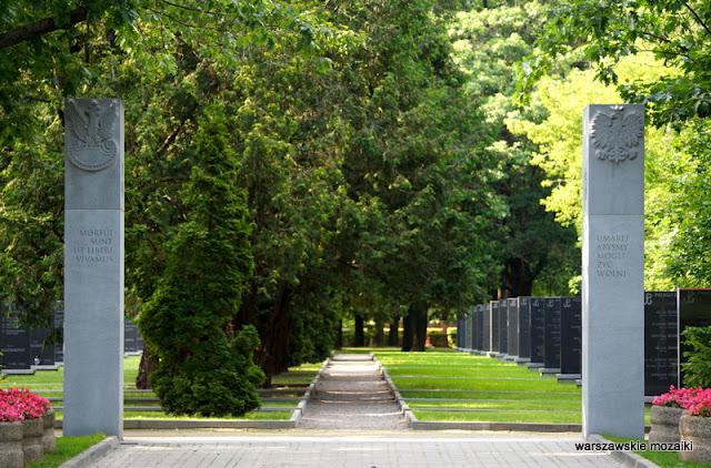 Warszawa Warsaw cmentarze powstanie warszawskie Wola