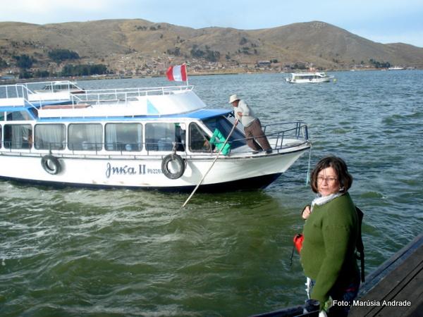 Embarque para as Ilhas Flutuantes dos Uros