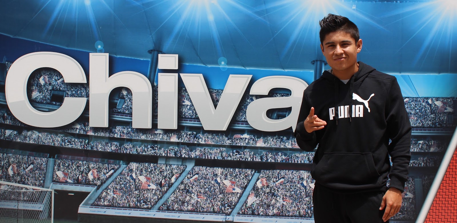 Eduardo 'Chofis' López quiere levantar la Supercopa MX.