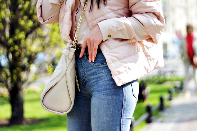 574, adidasy, dopasowane jeansy, fashion, fit, goodlookin, kolorowe, koszula, monnari, new balance, pikowana kurtka, porcelain, spodnie z wysokim stanem, sport, sportowy, torebka na złotym pasku,