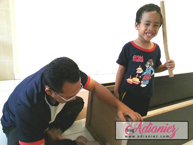 Izzat & Ayah : Projek D.I.Y Almari Buku