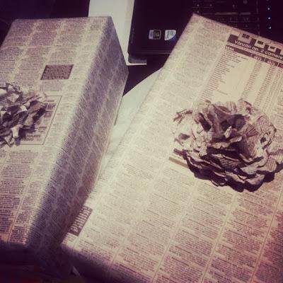 cadouri ambalate in ziar