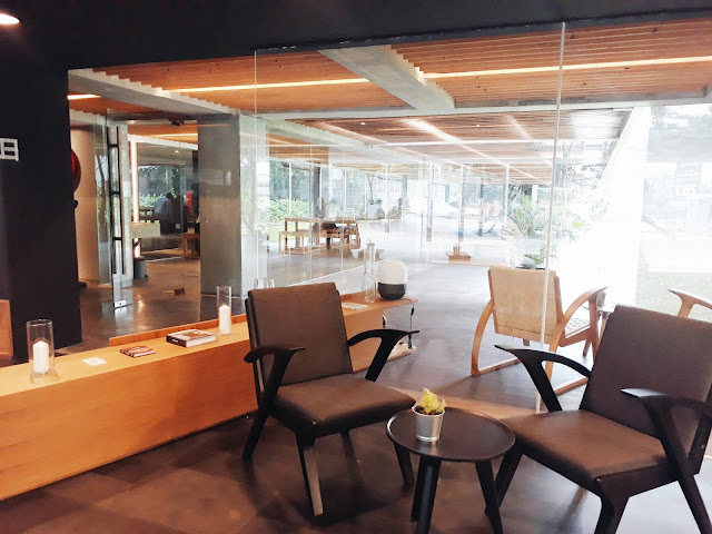 Coffee shop AdPremier, TB Simatupang