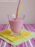 Smothie de leche de coco con frambuesas