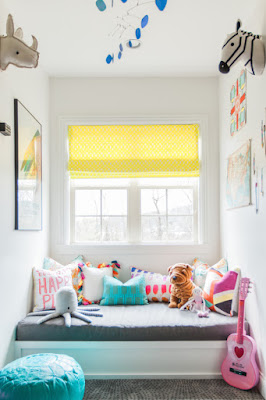 dekorasi kamar tidur anak diruang sempit dengan sedikit furnitur