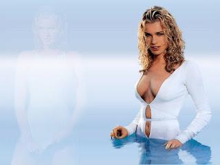 Rebecca Romijn Erotic Curves In White Bikini