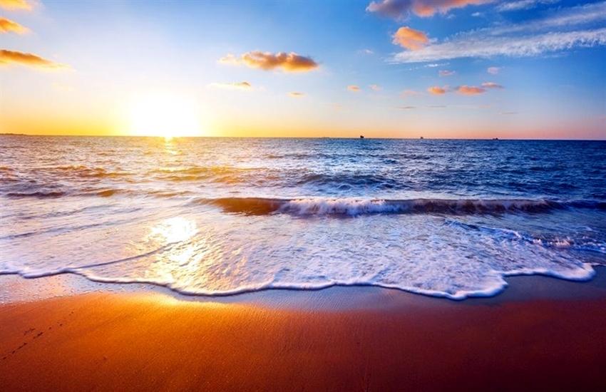 Kết quả hình ảnh cho bãi biển mỹ khê
