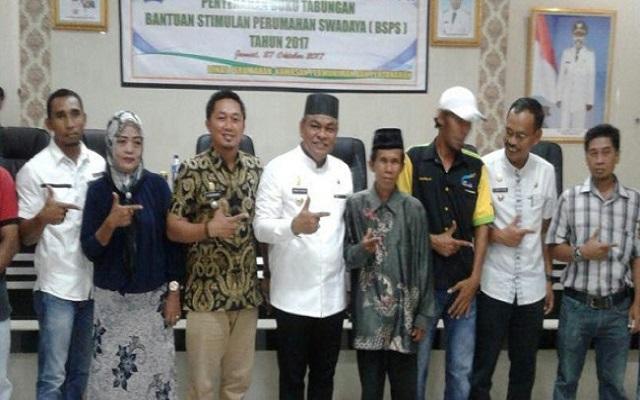 Bupati Fahsar Minta Pemerintah Kecamatan Agar Mengawal Program BSPS