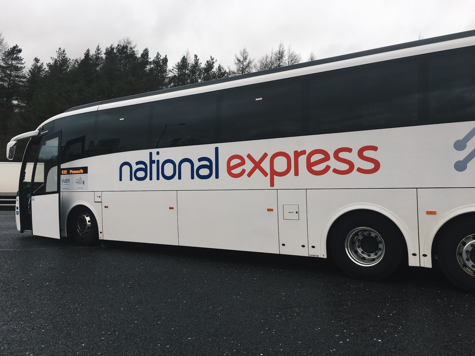 national express coach