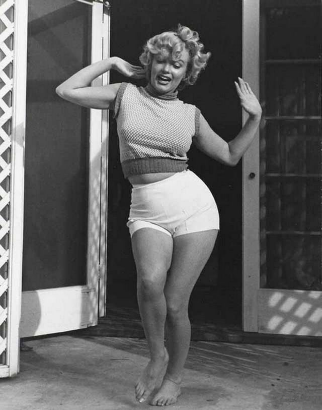 nice and famous: Marilyn Monroe