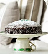 http://www.muyingenioso.com/original-bandeja-para-pasteles-cake-stand/