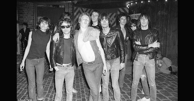 Ramones - Chrissie Hynde - Damned