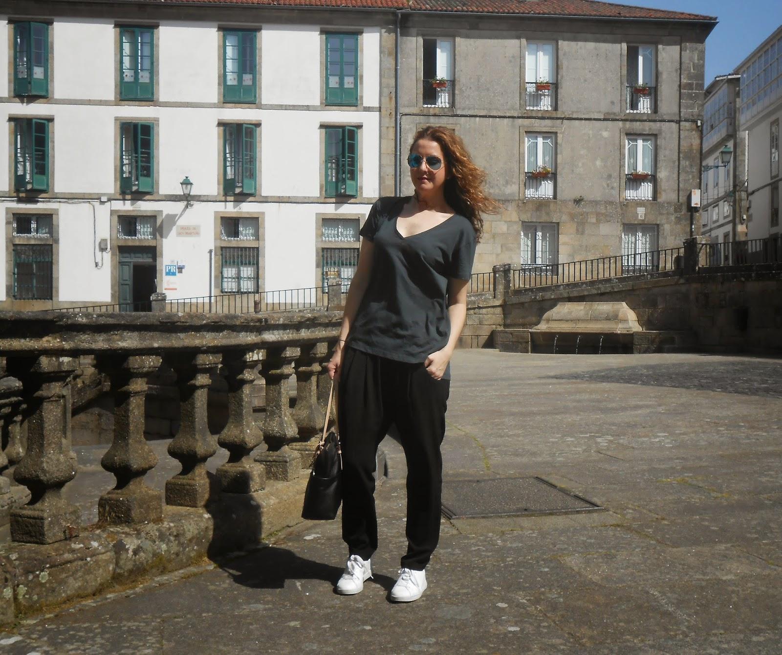 Yo no soy una it girl camiseta b sica de zara for Zara santiago de compostela