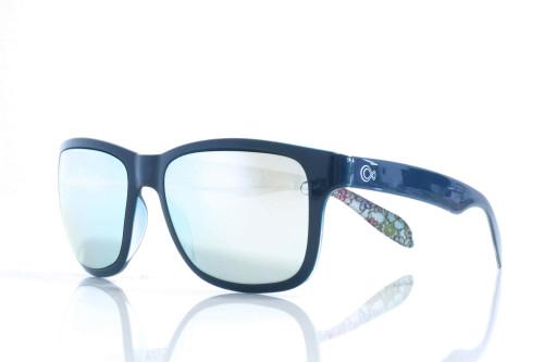Hoje, tenho um par de óculos, que só uso praticamente em casa, porque não  são suficientemente confortáveis ou leves para que lhes dê mais uso. 04145c785c