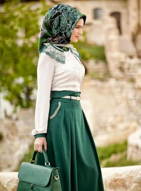 Coba Aja Padukan Full Skirt Dengan Warna Klasik Seperti Emerald Ini Keleja Atau Blouse Polo Dan Corak Hijab Tentu Mengikuti
