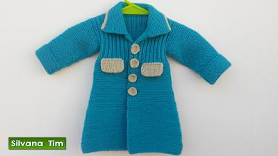 Abrigo (tapado) para niña bebé de 1 año. Tejido con dos agujas