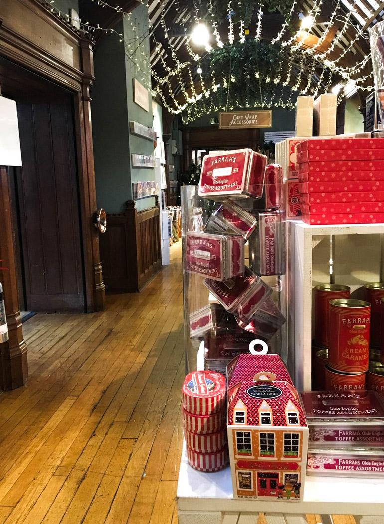 london-christmas-shopping-liberty-tienda-navidad-dulces-vintage