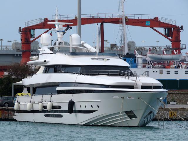 Motor yacht Balista, IMO 8662490, port of Livorno